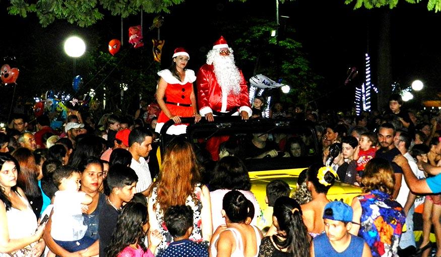Sucesso de público marcou a inauguração do Natal Luz 2017 em Bálsamo
