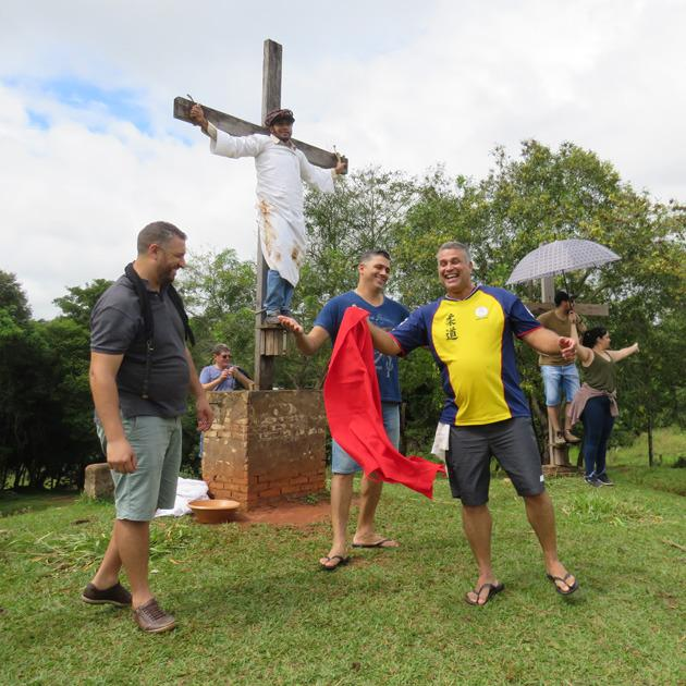 Grupo Caminhada com Jesus para a encenação da Paixão de Cristo