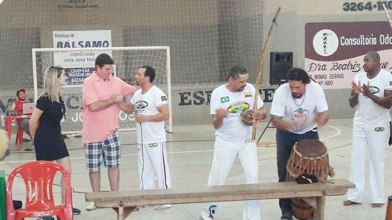 Prefeito e 1ª Dama participam do 1º Encontro de Capoeira