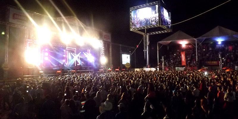 Wesley Safadão arrasta multidão para a 49ª Festa do Peão de Bálsamo