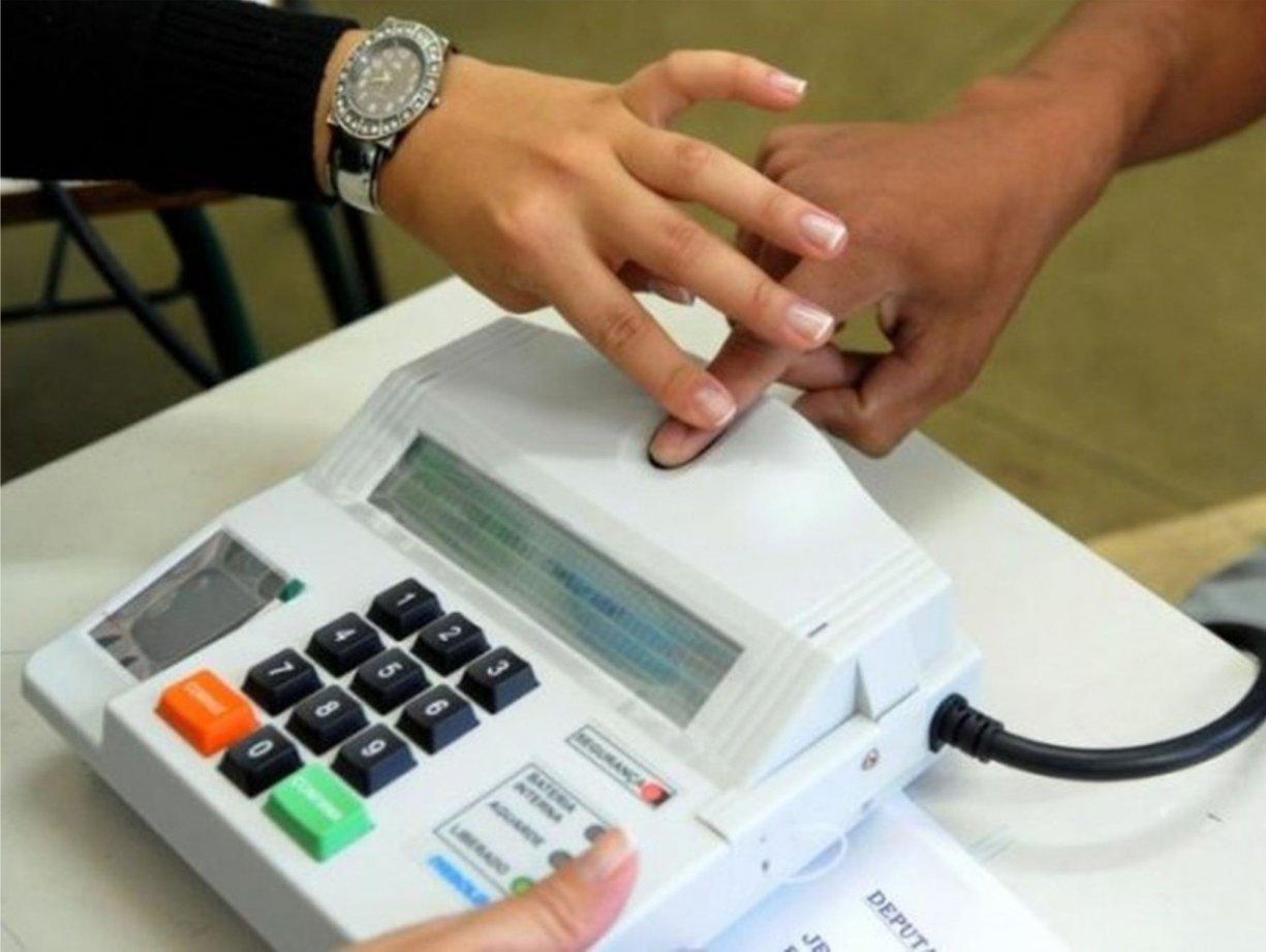 Cartório Eleitoral monta posto volante para cadastro biométrico em Bálsamo