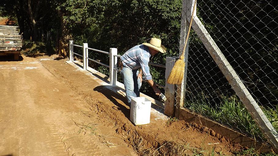 Prefeito determina a limpeza e revitalização da Estrada da Cachoeirinha, local por onde passará a 32ª Caminhada com Cristo de Bálsamo.