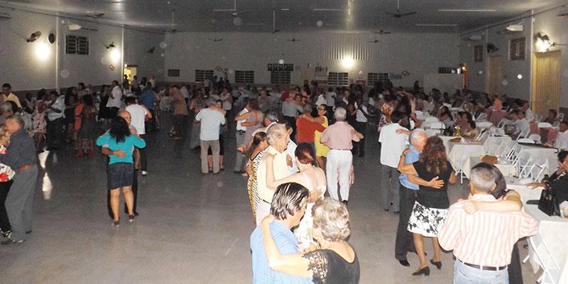 Depois da pausa para a quaresma, hoje dia 26 de abril tem Baile na Terceira Idade.