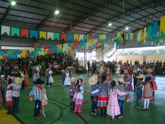 Festas Juninas nas escolas de Bálsamo