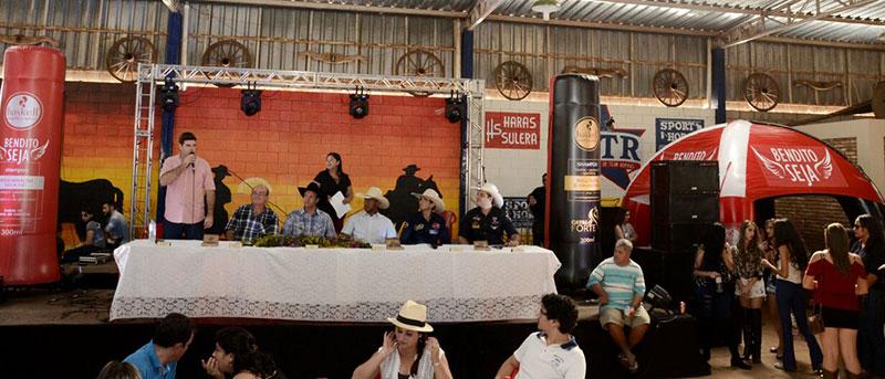 Prefeito Du Lourenço recepciona a imprensa para a escolha da rainha e lançamento da 49ª Festa do Peão de Bálsamo
