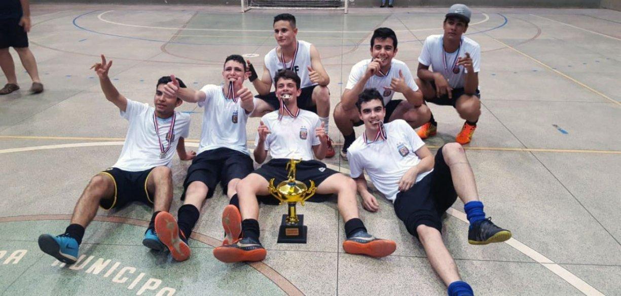 Campeonato Interno da Escola Joaquim reuniu 4 equipes para a grande final