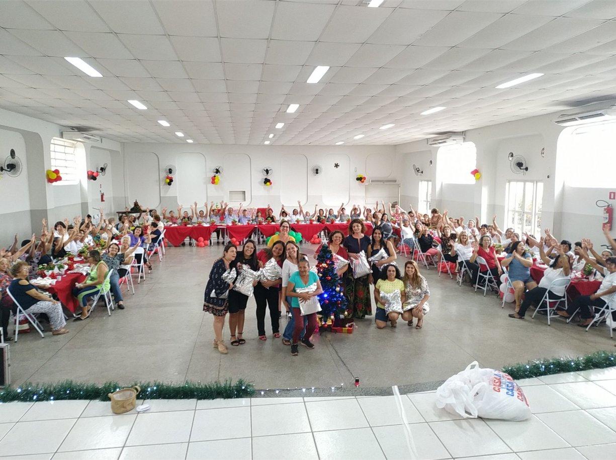 Idosos do CCI de Bálsamo se reuniram em festa de final de ano