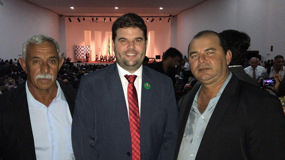 Prefeito DU Lourenço e vereadores acompanham o Governador Geraldo Alckmin na assinatura de autorização para a construção do 2º núcleo Habitacional CDHU de Bálsamo.