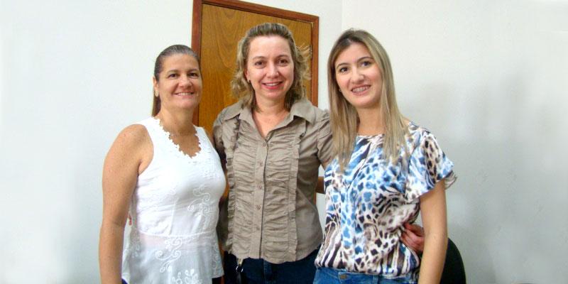 1ª Dama Bia Lourenço se reúne com Márcia Parochi, 1ª Dama de Neves Paulista para trocarem informações sobre projetos