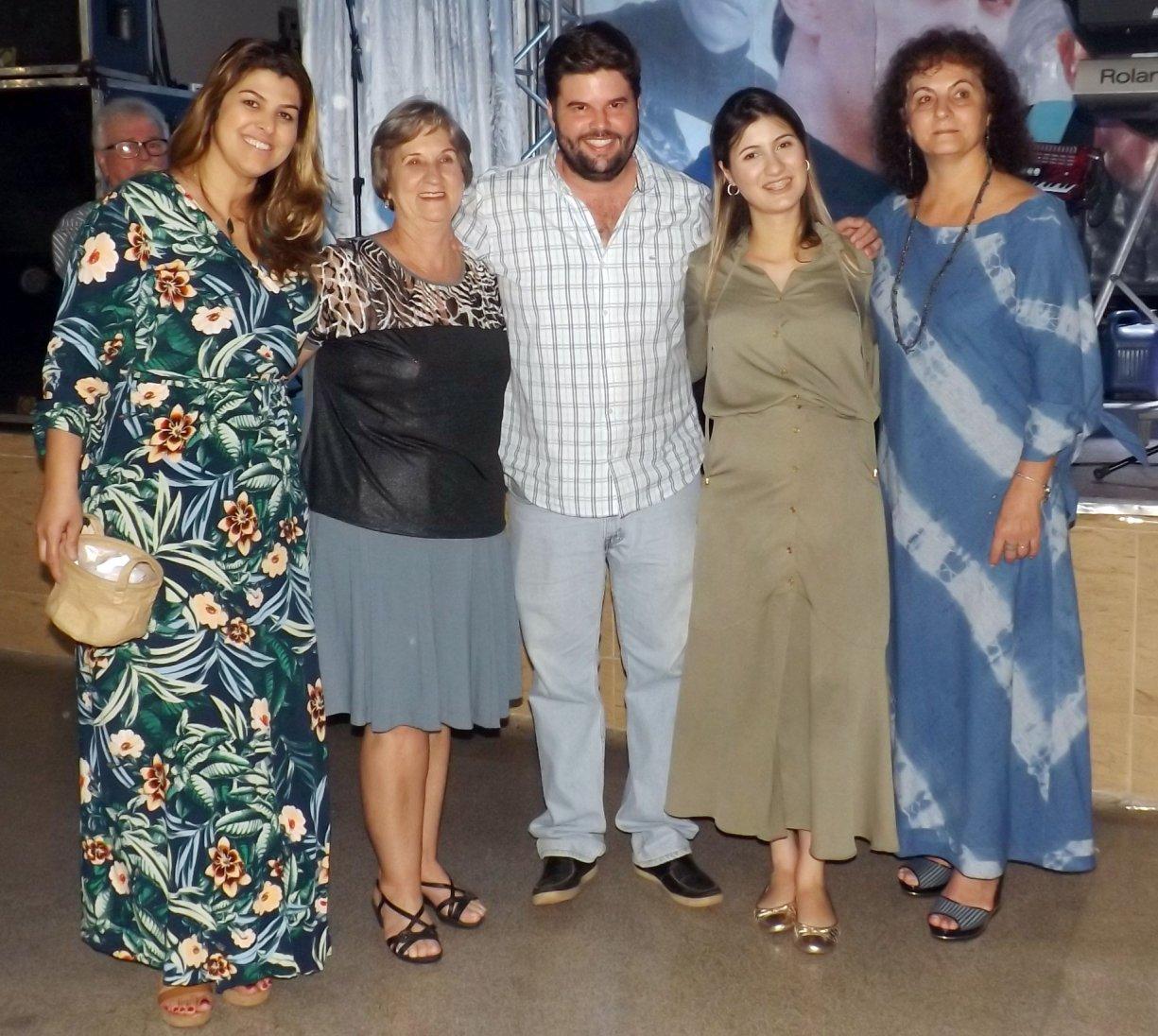 """Programa """"Alegria de Viver"""" sorteia as primeiras passagens para a Praia no Baile de Agosto"""