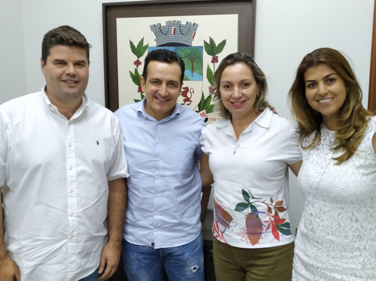 Assessores da deputada Analice Fernandes visitaram Bálsamo