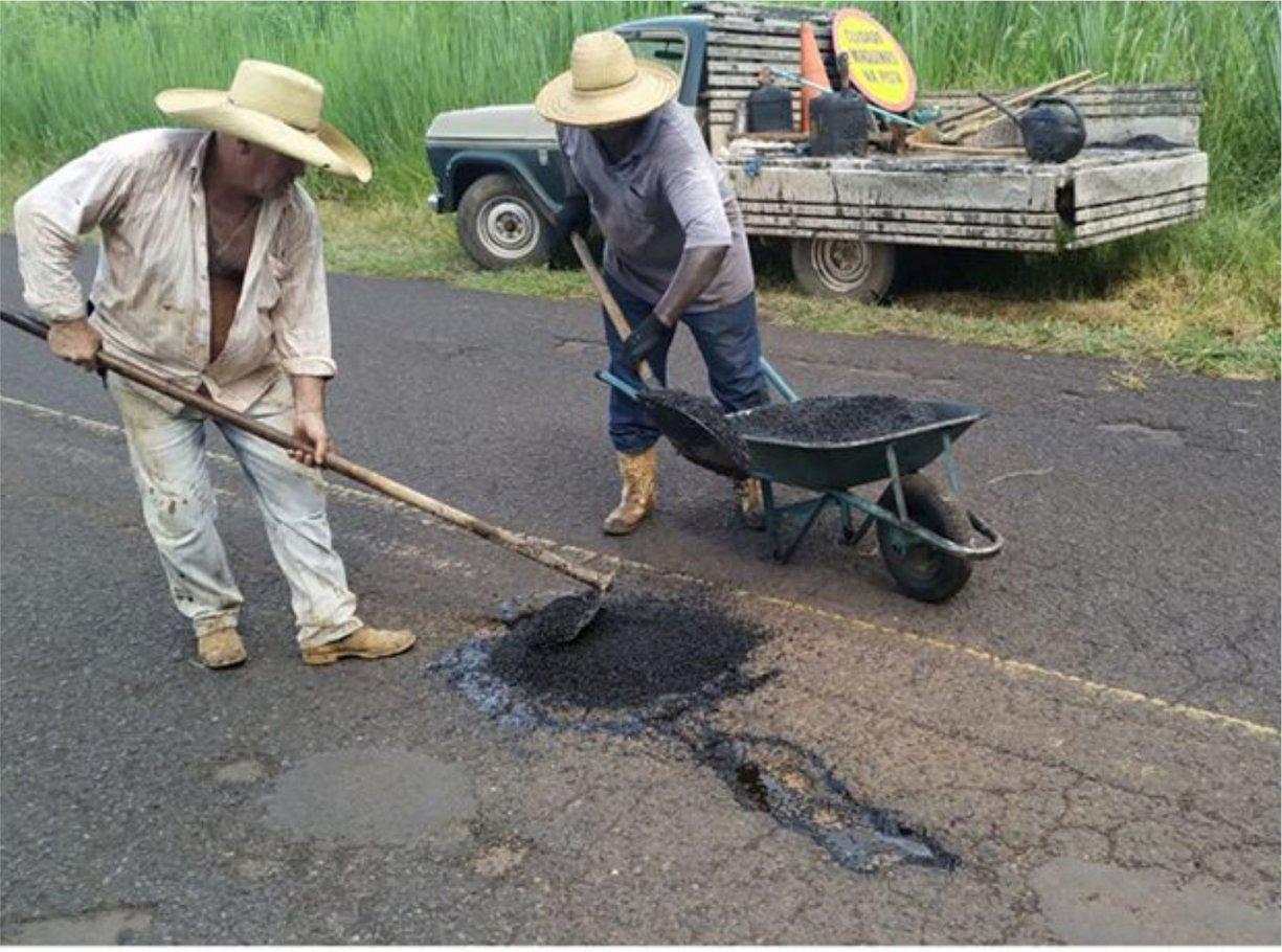 Vicinal José Jerônimo de Paula recebe operação tapa buracos
