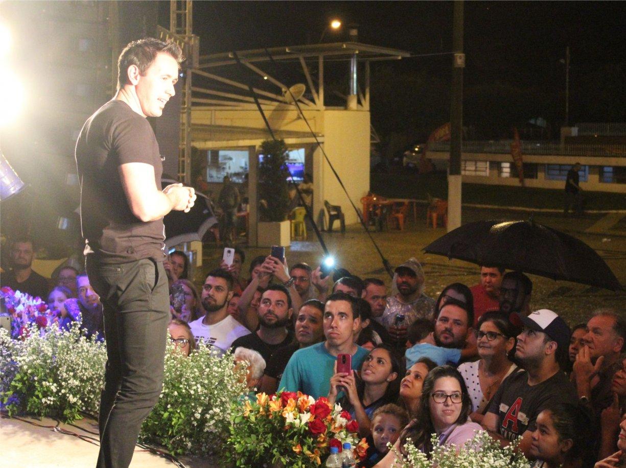 Show do cantor católico Tony Allysson, cancelado devido a chuva, será remarcado