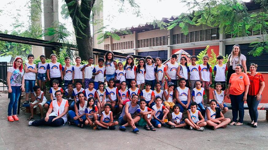 Alunos da Escola Modesto Moreira participam de passeio escolar