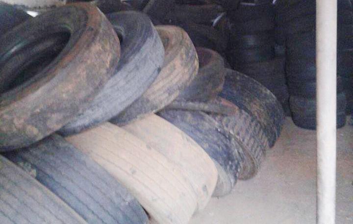 Saúde retira 16 Toneladas de carcaças de pneus do Ponto de Apoio