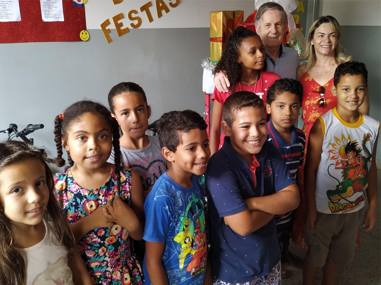 Projeto Fiorilli reúne crianças e sorteia 8 bicicletas em confraternização