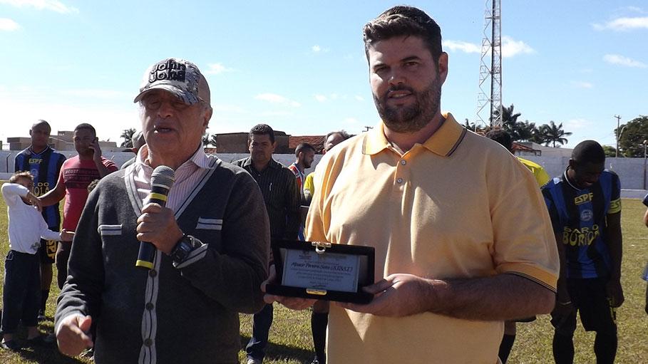 """De """"Casa Cheia"""", Copa Sissi de futebol foi encerrada neste domingo dia 20 de maio em Bálsamo"""