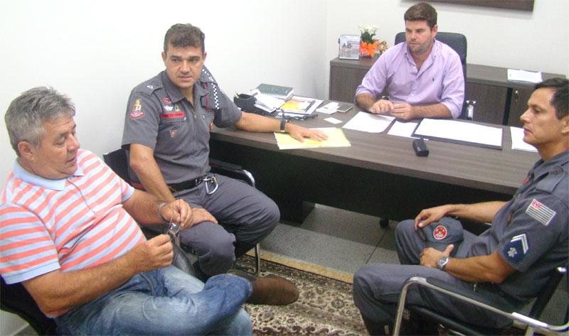 Bombeiro se reúne com prefeito para falar sobre o CarnaBálsamo 2017
