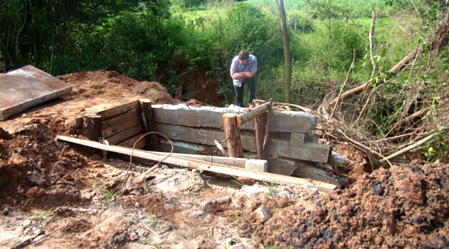Pontes de madeira das estradas rurais recebem reforma