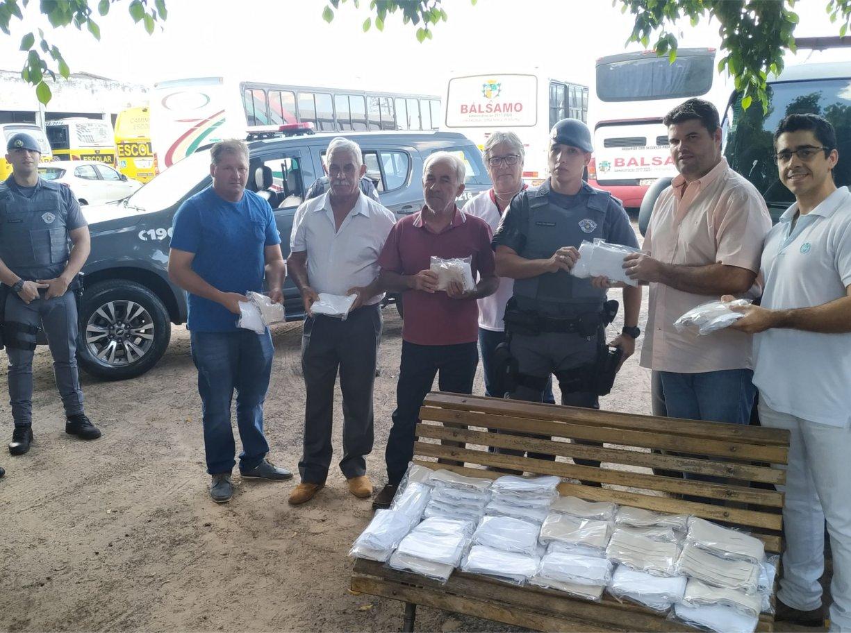 Prefeitura doa máscaras aos policiais militares do BAEP