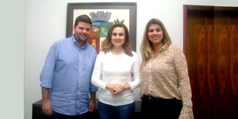 Deputada Analice Fernandes visita Bálsamo e é recepcionada por Du e Mônica