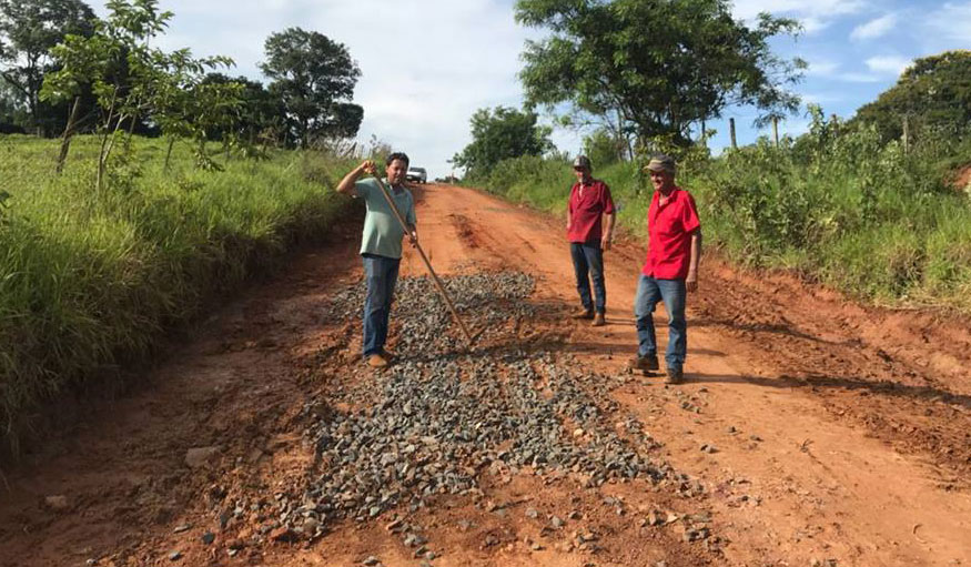 Estradas rurais de Bálsamo recebem reparos devido a estragos causados pelas chuvas