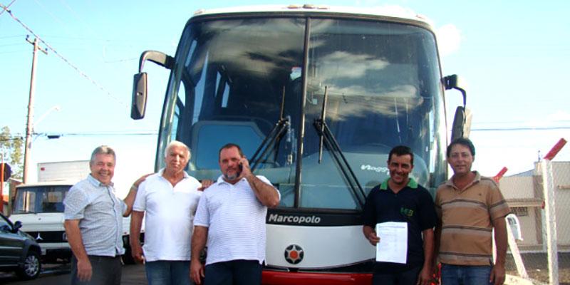 Prefeito Du Lourenço investe R$ 75.500 em recursos próprios para a aquisição de um ônibus que vai atender a municipalidade.