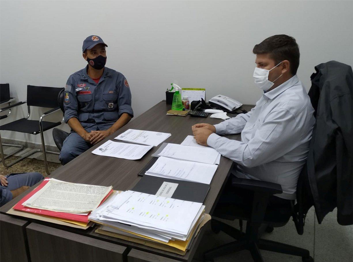 Corpo de Bombeiros se reúne com o prefeito Du Lourenço