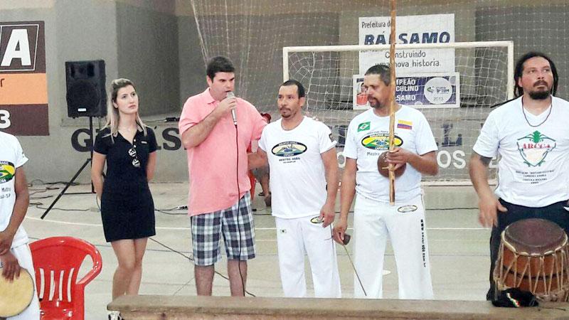Prefeito e 1ª Dama participam do 1º Encontro de Capoeira do Grupo Quilombo Brasil em Bálsamo