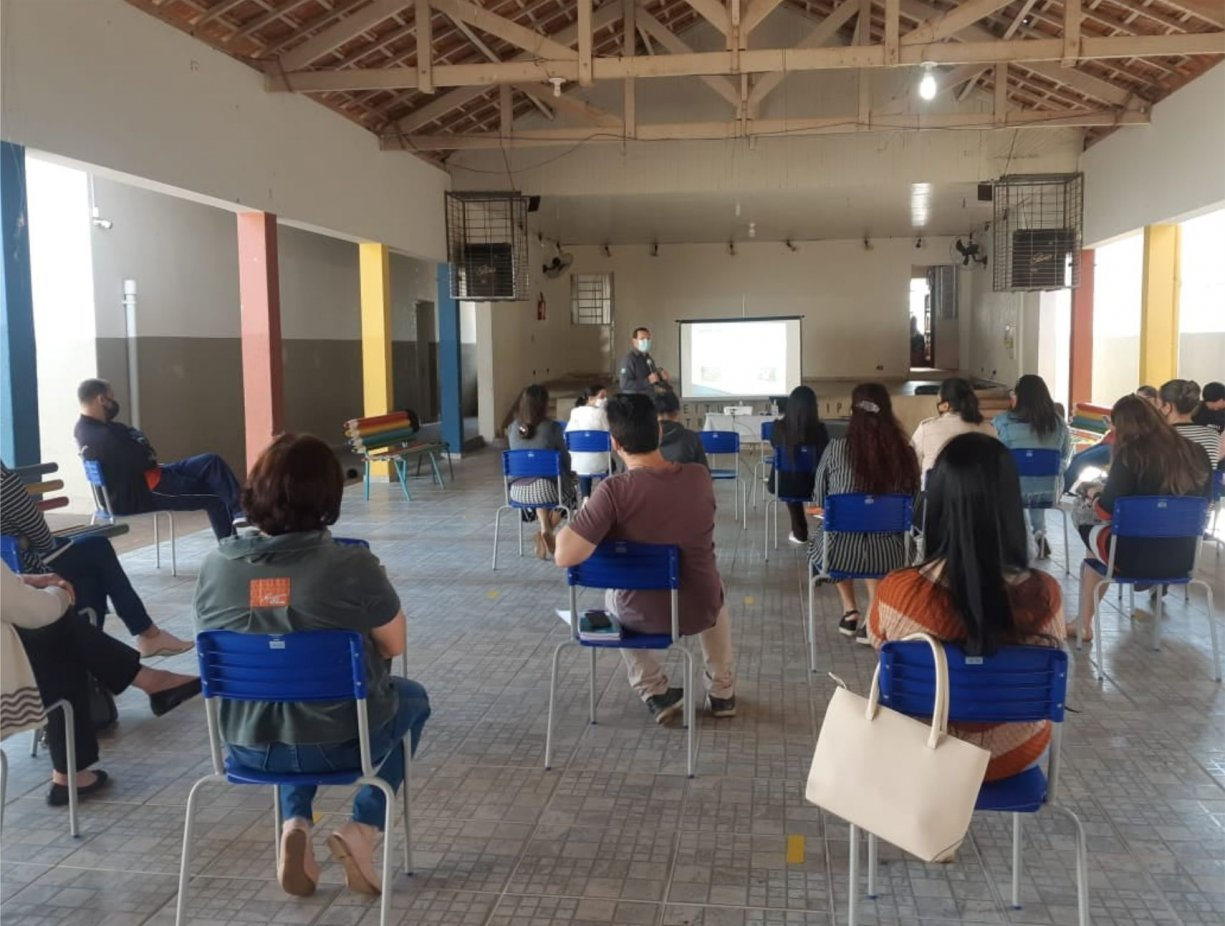 Profissionais da educação municipal recebem capacitação em curso de primeiros socorros