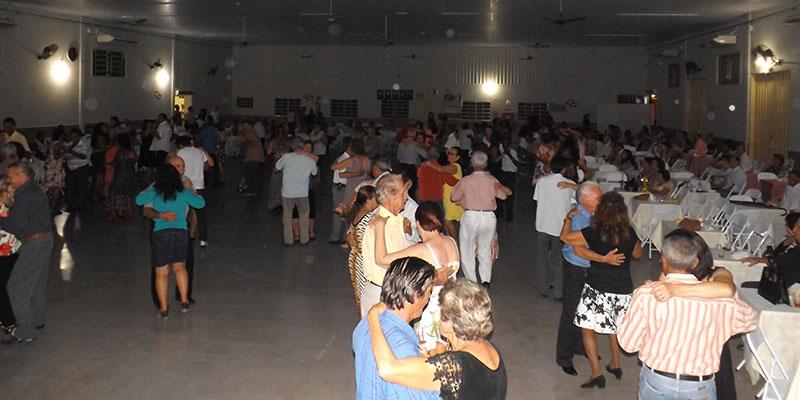 Baile mensal da 3ª Idade acontece nessa quarta-feira dia 24