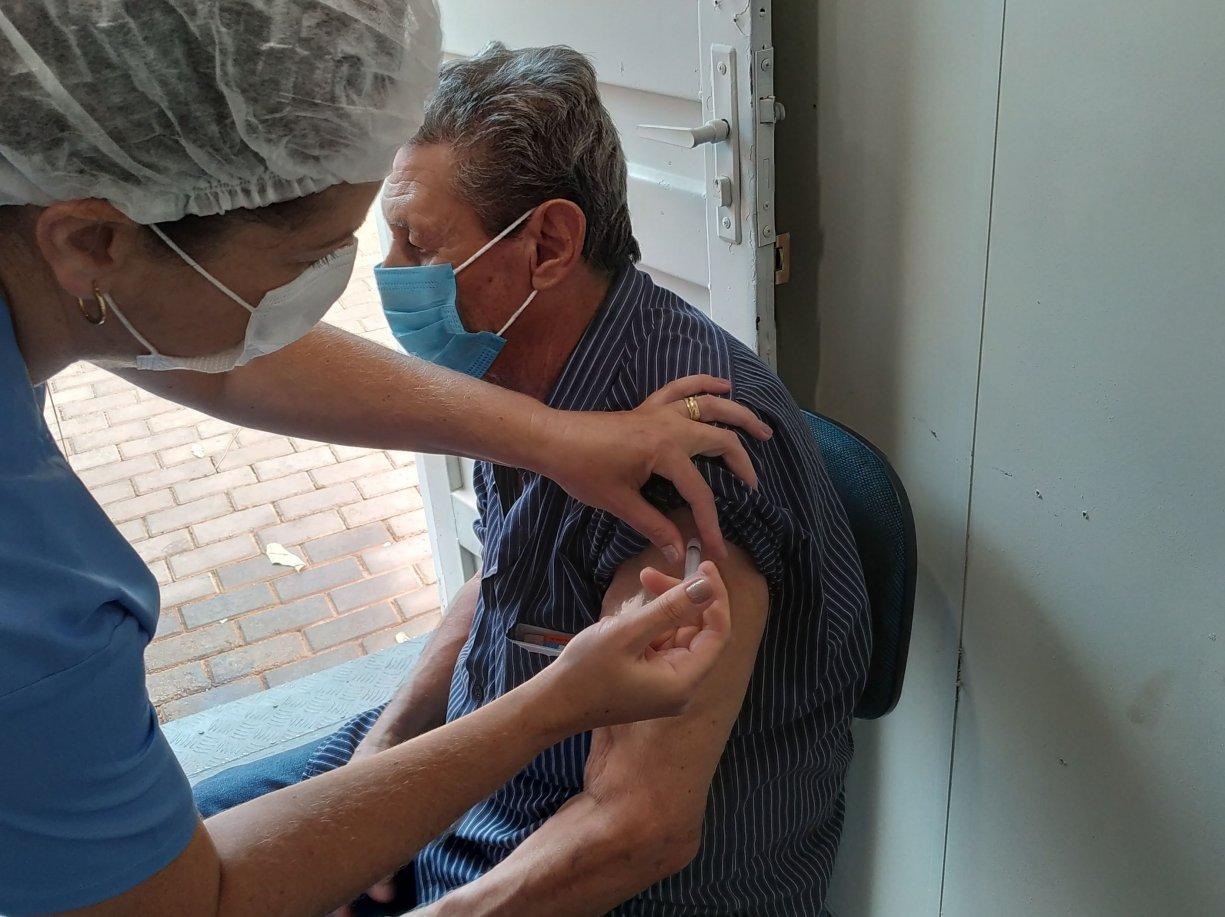 Bálsamo segue cronograma de vacinação do estado contra a Covid-19