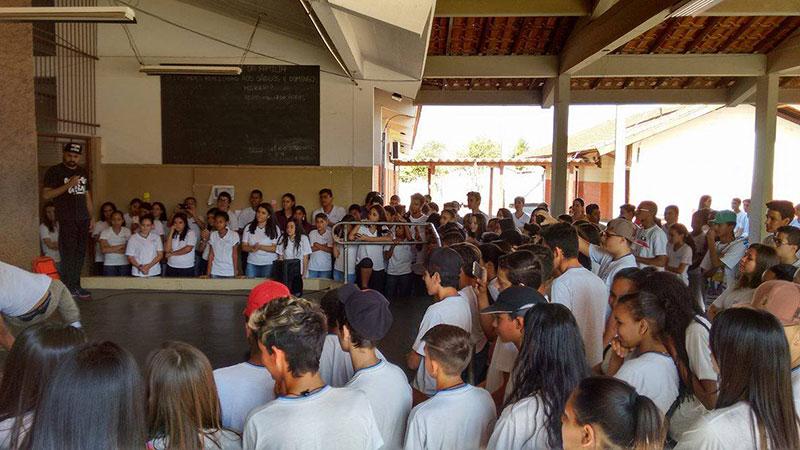 Projeto passa por escolas e finaliza ações em Bairro da cidade