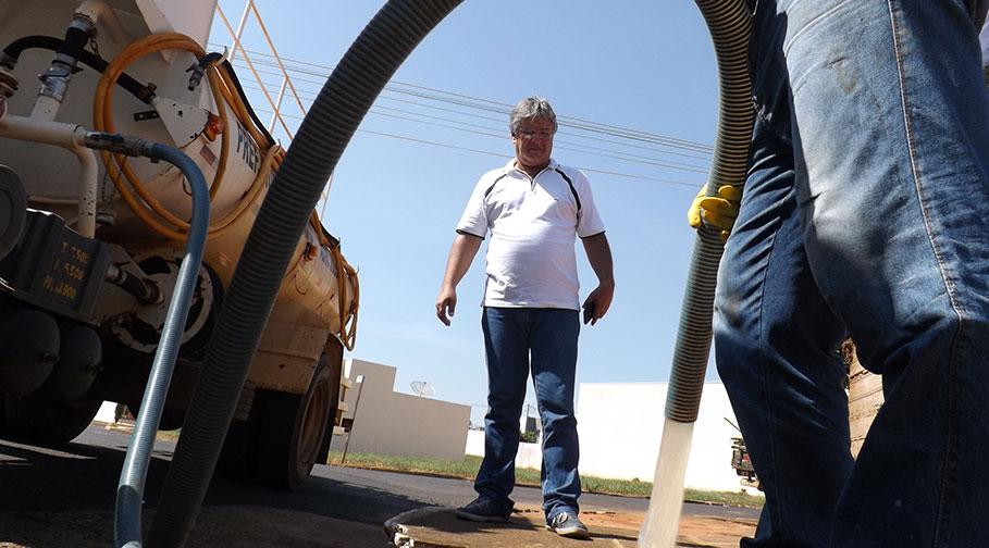 Prefeitura faz limpeza em Bueiros e Bocas de Lobo e pede conscientização da população