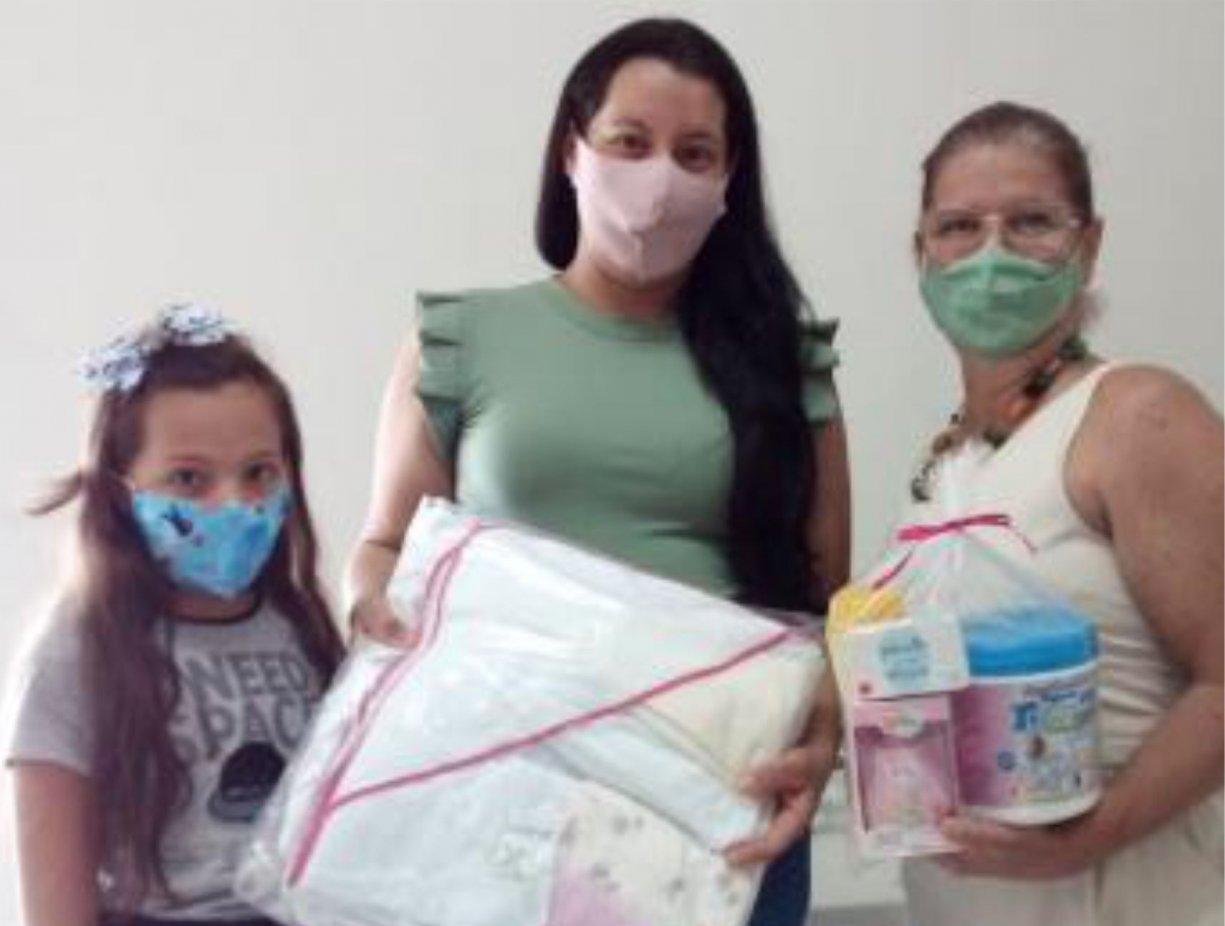 Fundo Social continua com as entregas dos kits do Programa Mamãe Coruja