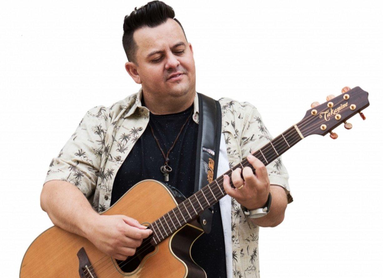 Cantor Ruan, de Bálsamo, lança carreira solo